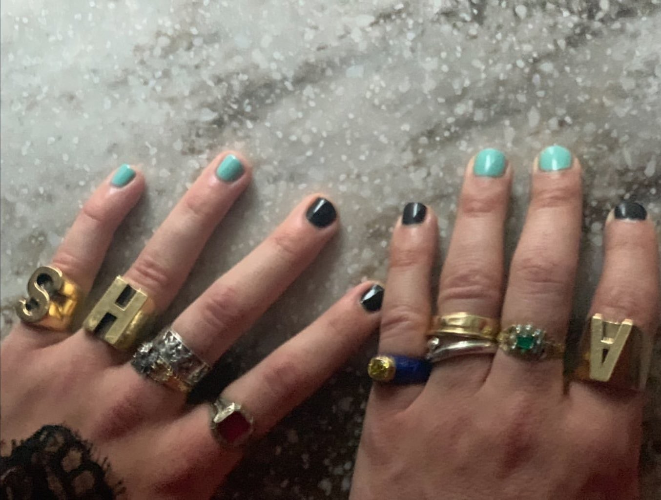 As unhas de Harry Styles e Alessandro Michele (Foto: Instagram/ Reprodução)