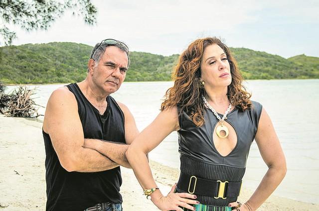 Humberto Martins e Claudia Raia em 'Verão 90', próxima novela das 19h da Globo (Foto: João Cotta/TV Globo)