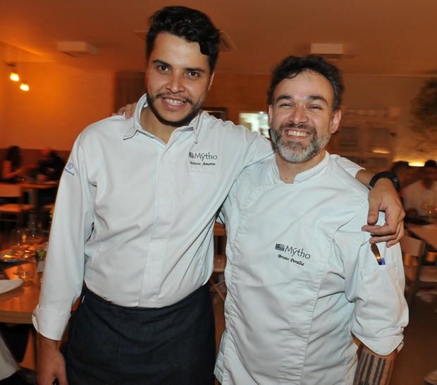 Chef Marcos Amorim e o Chef Bruno Peralta (Foto: Cassiano de Souza/ Divulgação)