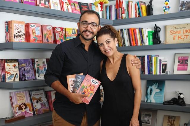 Thalita Rebouças e Raphael Montes no programa 'Trilha de letras', da TV Brasil (Foto: Kamyla Abreu / TV Brasil)