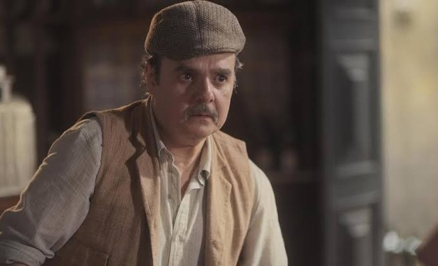Cassio Gabus Mendes é Afonso em 'Éramos seis' (Foto: Reprodução)