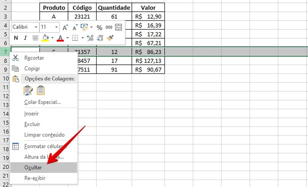 Ocultando uma linha no Excel — Foto: Reprodução/Helito Beggiora