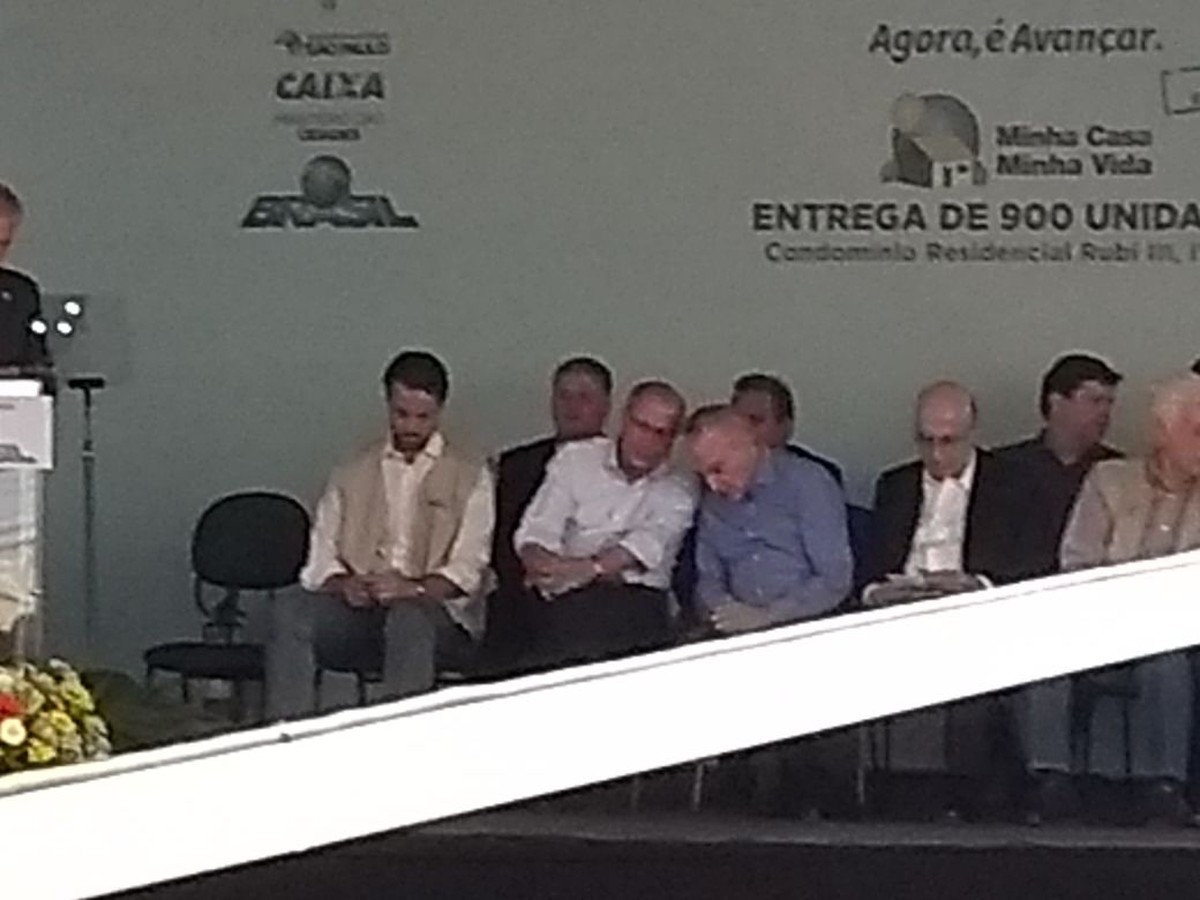 Michel Temer e Geraldo Alckmin participam juntos de entrega de unidades habitacionais em Limeira