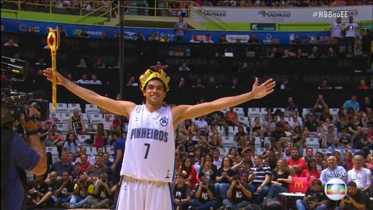 Gui Bento do Pinheiros é o campeão do Desafio de Enterradas do NBB