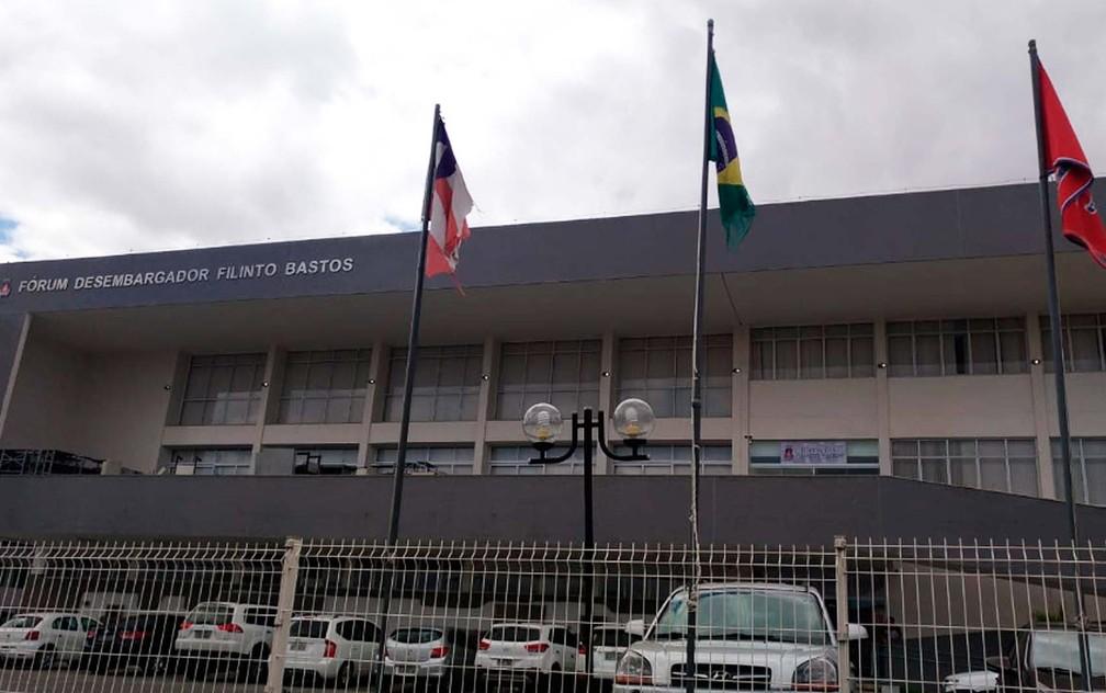 Audiência aconteceu no Fórum Desembargador Filinto Bastos, em Feira de Santana — Foto: Diego Macedo/TV Subaé