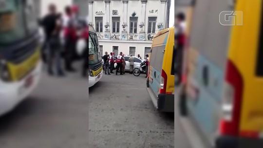 Corpo é encontrado dentro de carro em frente à UFRJ, no Centro do Rio