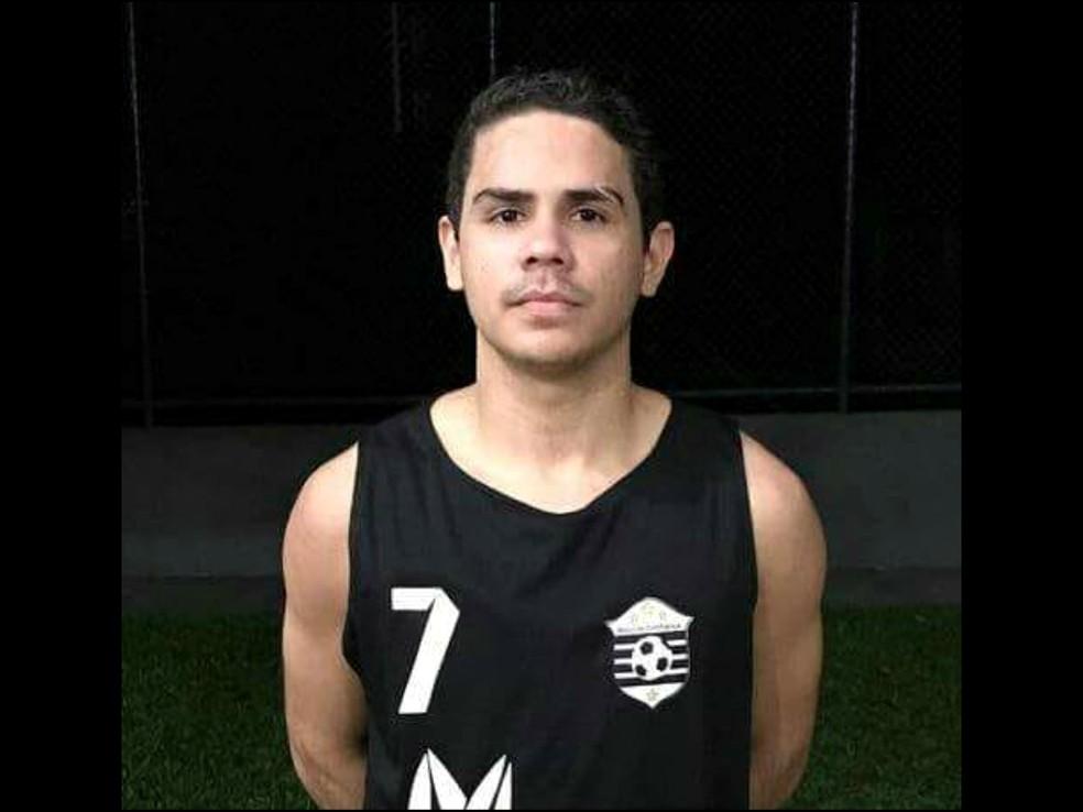-  Ricardo Brito Oliveira e o primo foram baleados por policial civil por engano no dia 6 de julho  Foto: Arquivo Pessoal