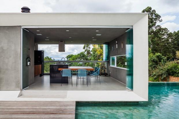 Décor do dia: espaço gourmet moderno flutua sob piscina