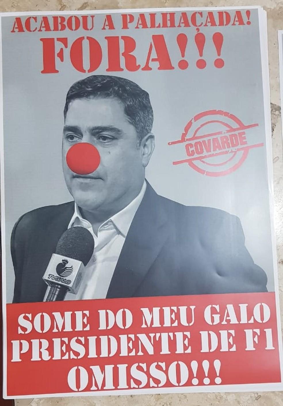 """""""Presidente de F1"""", diz cartaz com foto de Sérgio Sette Câmara, referindo-se ao filho, que é piloto de automobilismo — Foto: Reprodução / internet"""