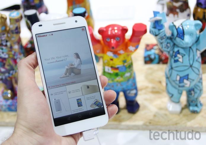 Huawei Ascend G7 durante IFA 2014 (Foto: Fabricio Vitorino/TechTudo)