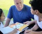 Luiz Fernando Guimarães e os filhos  | Reprodução