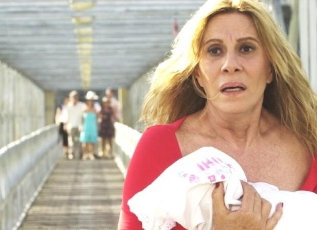 Cena de Senhora do Destino (2003), novela em que Renata Sorrah interpretou a inesquecível vilã Nazaré Tedesco  (Foto: Divulgação/TV Globo)