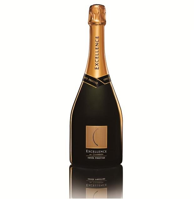 Chandon Excellence Brut | Que tal já garantir o brinde da data? O Chandon Excellence Brut é um dos mais sofisticados vinhos da marca, com uma combinação de uvas Chardonnay e Pinot Noir. Ele é amadurecido por 12 meses em tanques e 18 meses na garrafa antes de sua comercialização | Da Chandon, R$190,00.  (Foto: Divulgação)