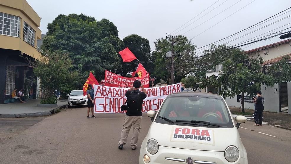 Manifestantes percorrem avenida de Porto Velho em ato contra presidente Jair Bolsonaro — Foto: Matheus Gama/Reprodução