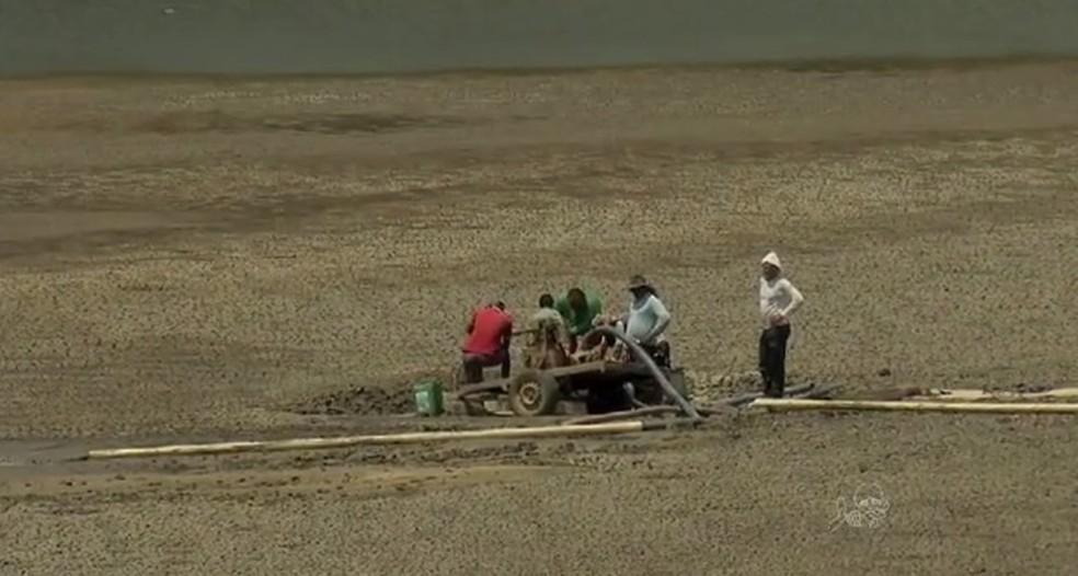 Castanhão, maior açude do país, tem apenas 4,6% de volume (Foto: TV Verdes Mares/Reprodução)