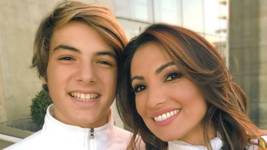 Patrícia Poeta relembra visita do filho em bancada de telejornal