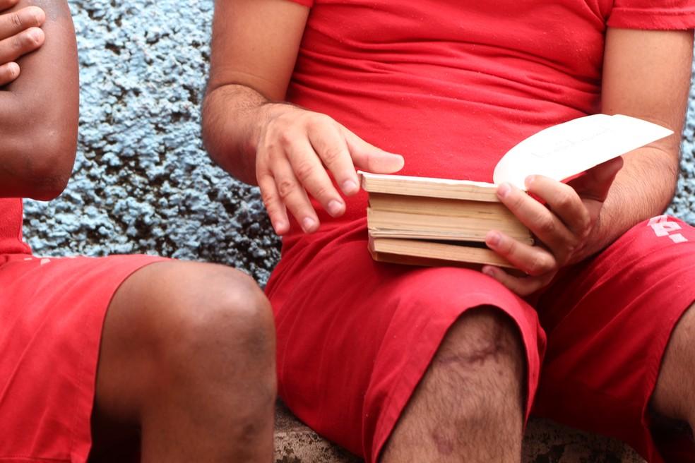 Projeto Remição pela Leitura acontece nos presídios de Poços de Caldas, Caldas e Botelhos — Foto: Guga Sarges