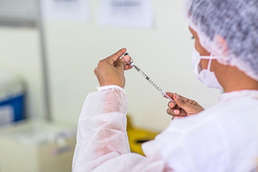 Arujá vai vacinar moradores de 28 e 29 anos contra a Covid-19 a partir de segunda-feira