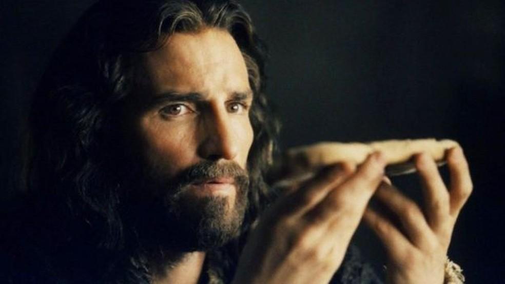 O ator Jim Caviezel interpretou Jesus no filme 'A Paixão de Cristo', de 2004, dirigido por Mel Gibson (Foto: Icon Productions/Divulgação)