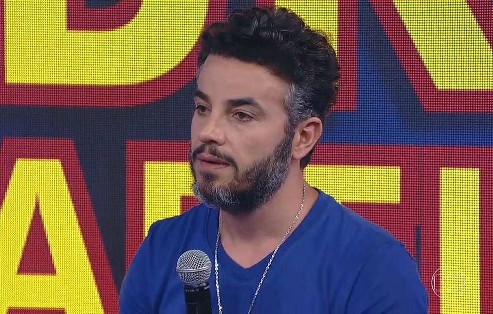 Anderson Di Rizzi perguntou sobre a imunização de sua filha, Helena (Foto: TV Globo)