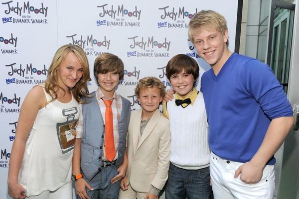 Jackson Odell e colegas no lançamento de Judy Moody em Férias Incríveis (Foto: Getty Images)