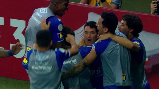 Atuações do São Paulo: Alexandre Pato erra tudo que tenta e é reflexo do time em campo