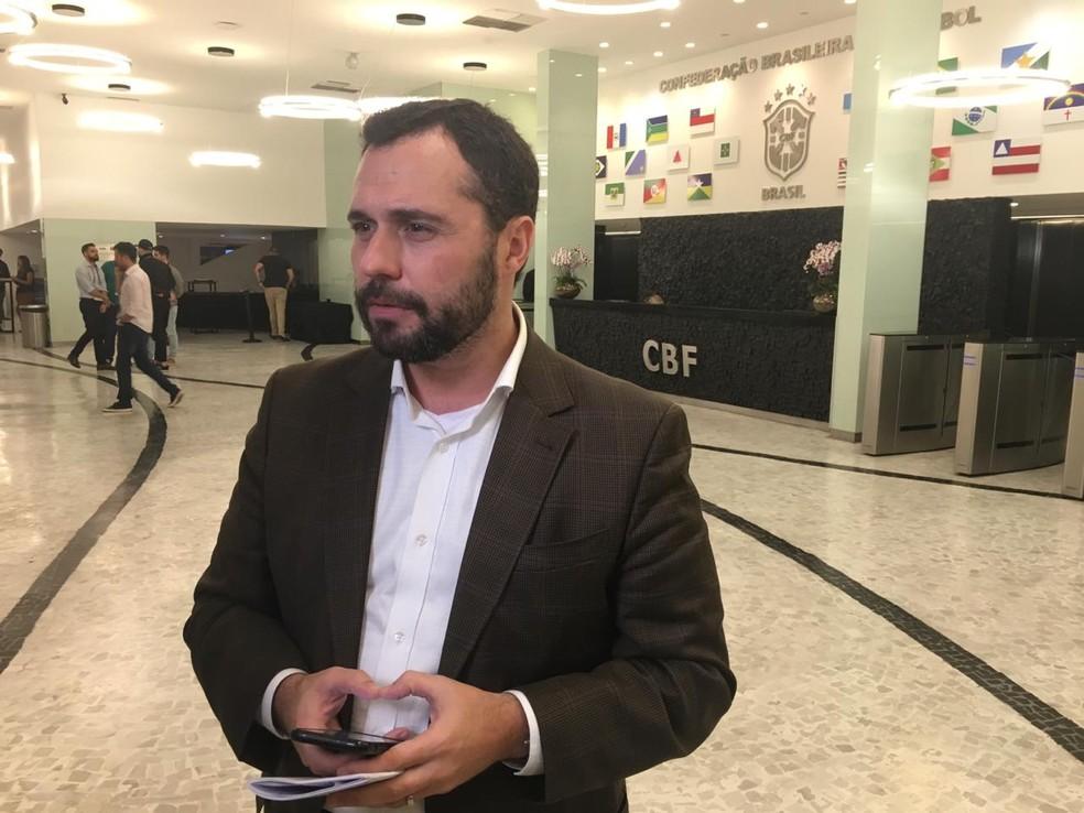 Mário Bittencourt é o representante dos clubes na negociação com sindicatos de jogadores — Foto: Caíque Andrade