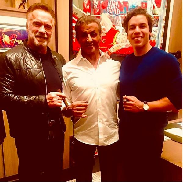Arnold Schwarzenegger, Sylvester Stallone e o filho de Schwarzenegger, Jospeh Baena (Foto: Instagram)