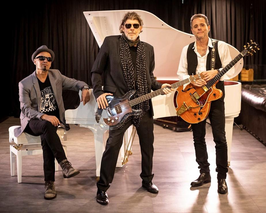 Titãs reciclam, em versão acústica,  canção romântica de esquecível álbum lançado há dez anos pelo grupo