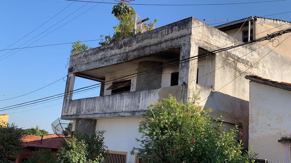 Homem morreu em incêndio a residência em Itapetininga (SP) — Foto: Beatriz Buosi/TV TEM