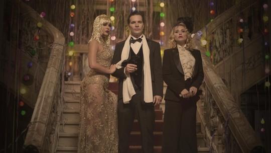 Bruna Marquezine, Daniel de Oliveira e Letícia Colin mostram bastidores de baile de Carnaval