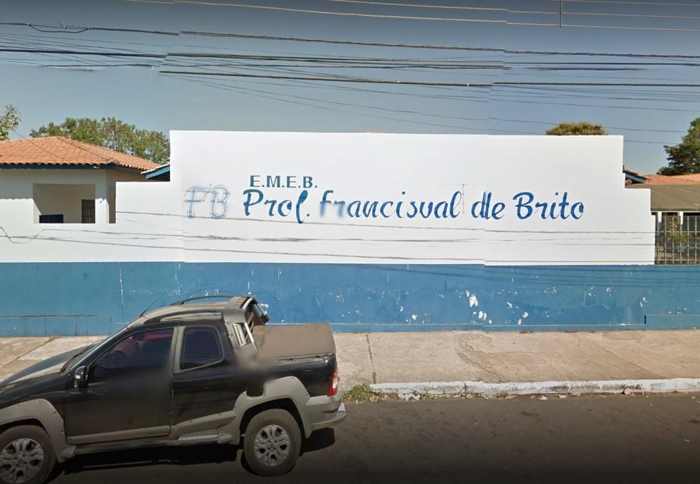 EMEB Francisval de Brito, no Bairro Coophamil em Cuiabá (Foto: Google Maps/Reprodução)