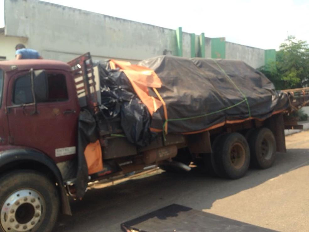 Droga estava em caminhão e seria distribuída em Rio Branco, diz polícia  (Foto: Iryá Rodrigues/G1)