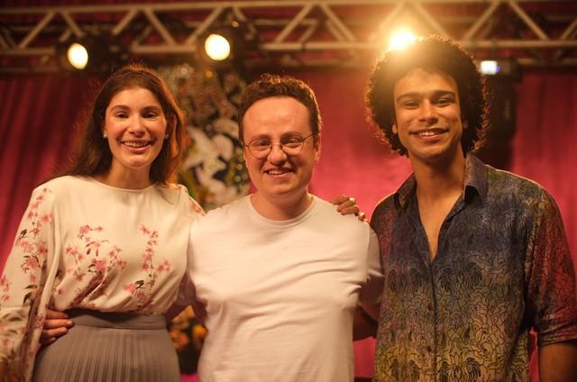Giulia Bertolli e Sérgio Malheiros com o diretor Diego Freitas (Foto: Arquivo pessoal)