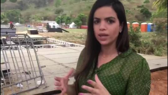 Parte de estrutura de ponte cede e fiéis que saíam de evento ficam feridos em Laranjal, MG