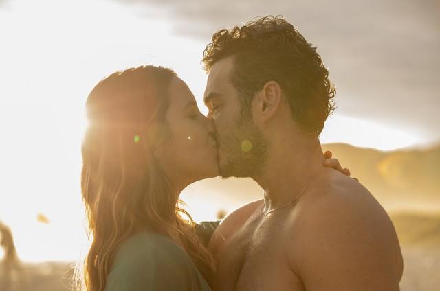 Nathalia Dill e Marcos Veras em 'Um casal inseparável' (Foto:  Raquel Tanugi)