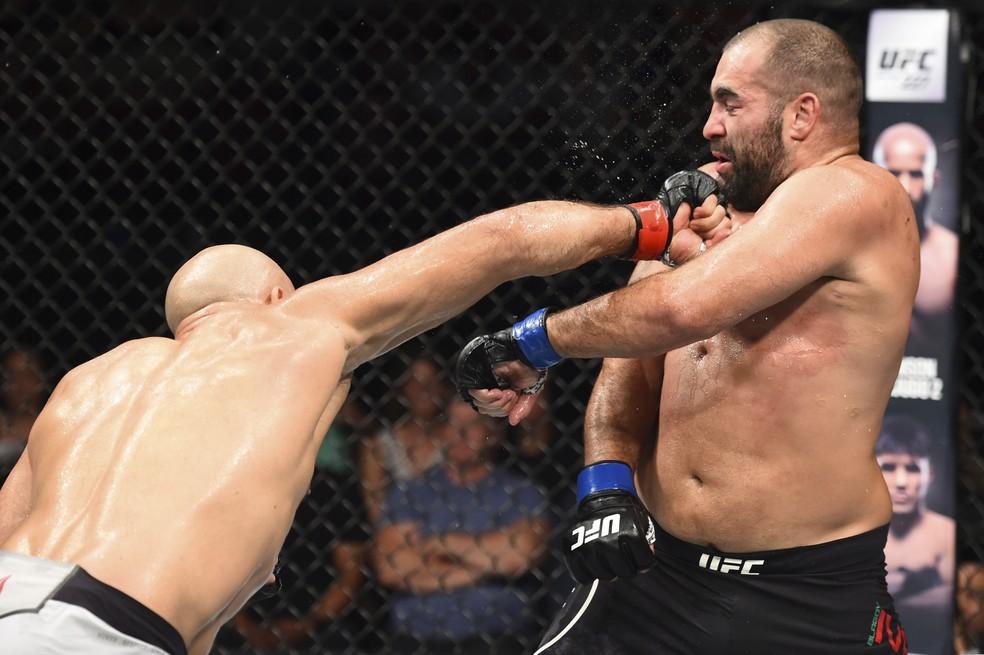 Júnior Cigano venceu os cinco rounds contra Blagoy Ivanov no UFC Boise (Foto: Josh Hedges/Zuffa LLC / Getty Images)