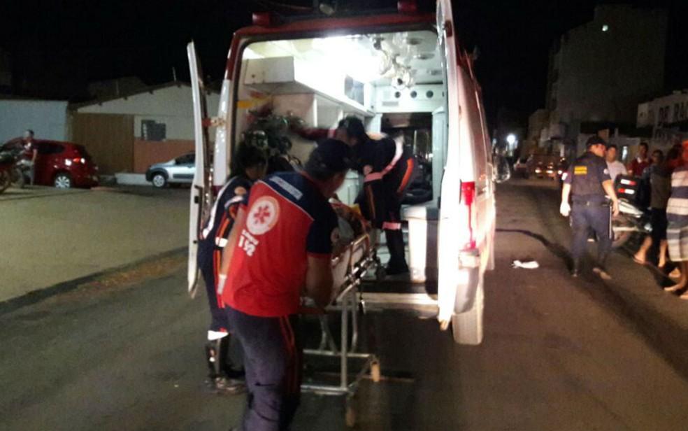 Vítimas foram socorridas pelo Samu, mas não resistiram aos ferimentos (Foto: Ivonaldo Paiva/ Blog Braga)