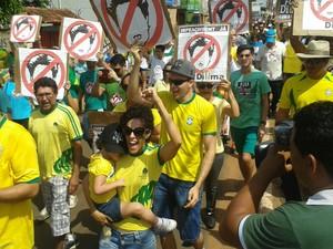 Protestos contra o governo marca a manhã em Araguaína (Foto: Lucas Ferreira/TV Anhanguera)