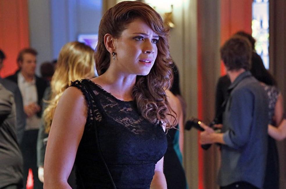 Cristina (Leandra Leal) revida e diz o que pensa na cara de José Alfredo (Alexandre Nero) - 'Império' — Foto: Fábio Rocha/Globo