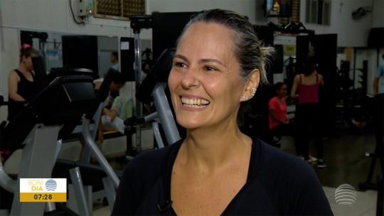 """Contadora """"aprende a se levantar"""", deixa o sedentarismo e perde 41kg em 10 meses"""