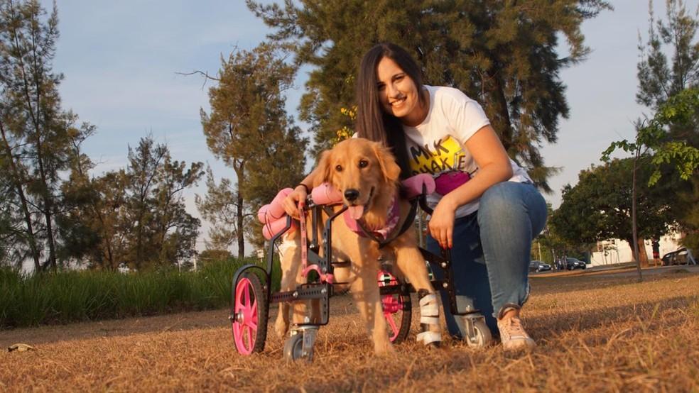 Mariana é dona da cadela Olívia, que também é especial  — Foto: Eduardo Palota/Arquivo pessoal