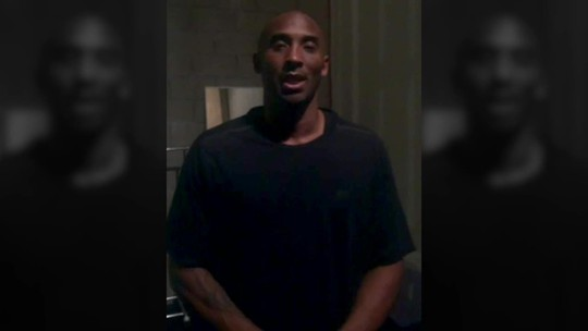 """Kobe homenageia Marcelinho: """"Carreira fenomenal"""""""