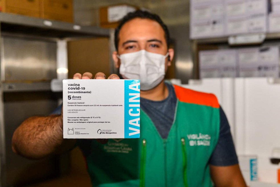 Chegada de novo lote da AstraZeneca permite Fortaleza retomar campanha de vacinação — Foto: Thiago Montefusco/Governo do Ceará