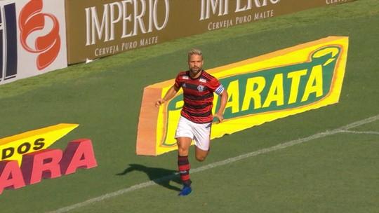 Análise: com um a mais, Flamengo não convence, fica refém de cruzamentos e joga para o gasto