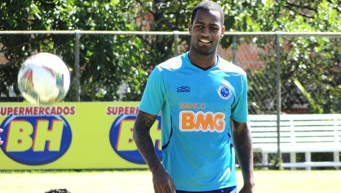 Garantido no Cruzeiro, Dedé não quer se transferir para o Leste Europeu