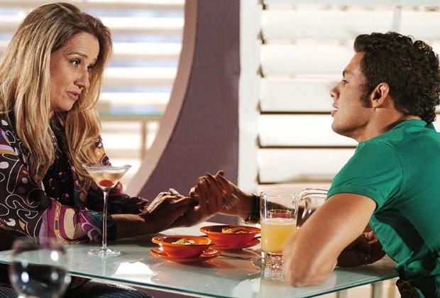 Cauã Reymond, ainda em início de carreira, dividiu cenas com Vera Holtz (Foto: Divulgação/TV Globo)