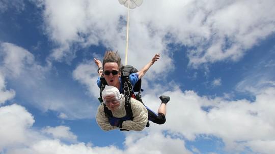 Foto: (Reprodução/Facebook/SA Skydiving)