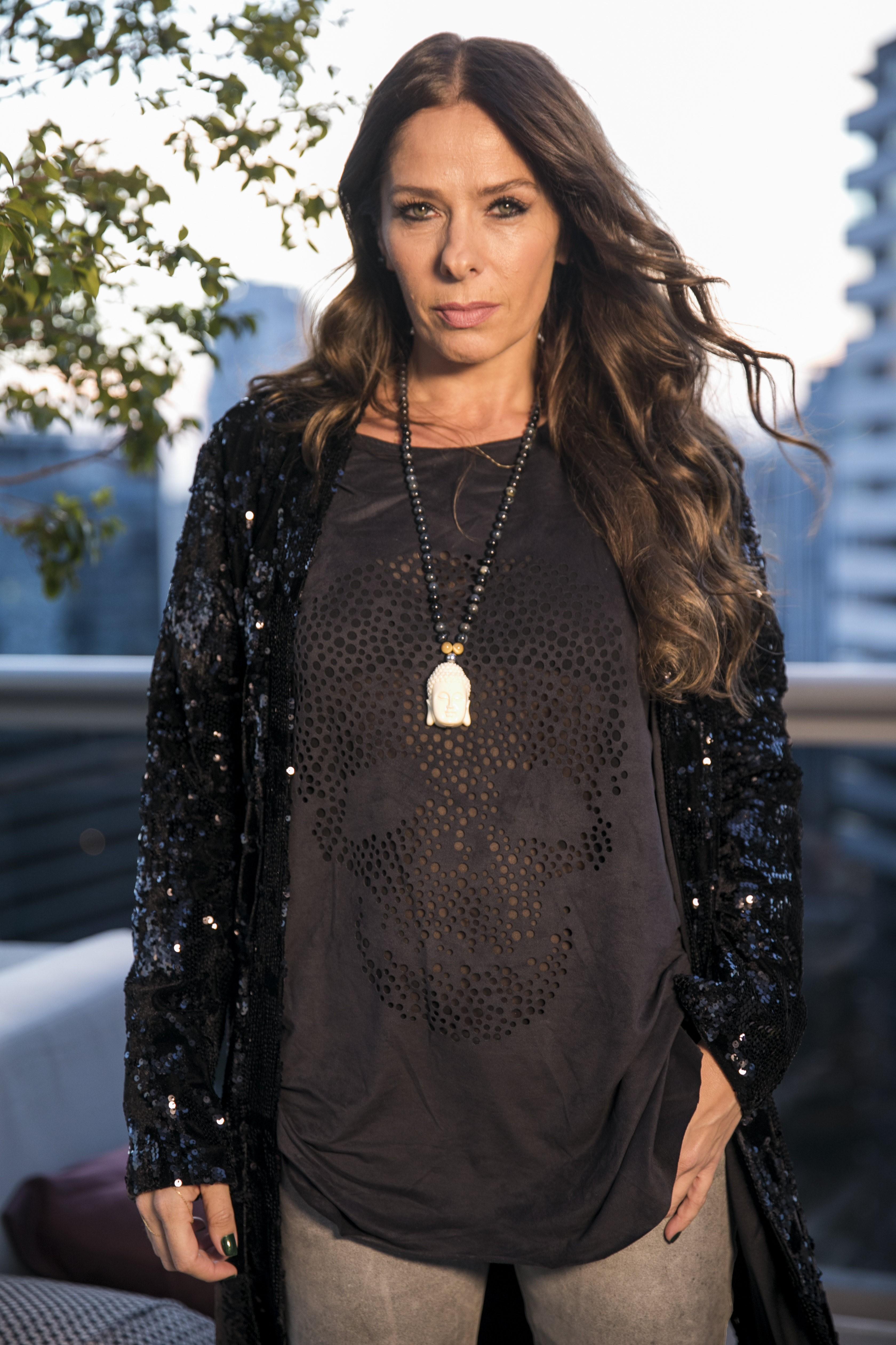 Adriane Galisteu estreia como vilã em