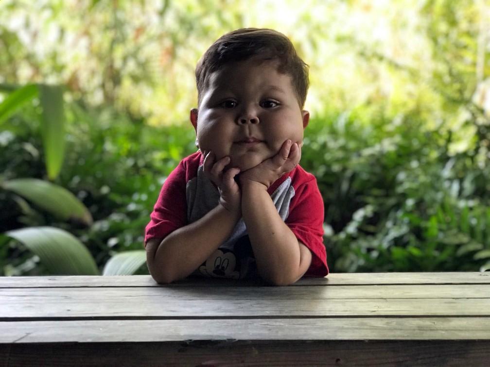 O menino Davi Miguel, de Franca (SP), se mudou para os EUA para tentar transplante contra doença rara — Foto: Jesimar Gama/ Arquivo pessoal